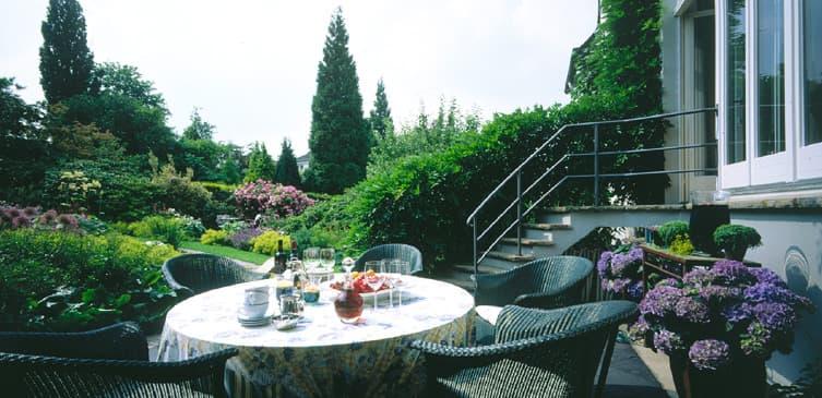 ambiente gartengestaltung in münster – trockenbach und kiesmosaik, Garten ideen